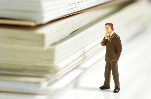 【コラム】行政書士の業務範囲を企業法務に拡大!しかし反発も必至? そのワケとは・・・